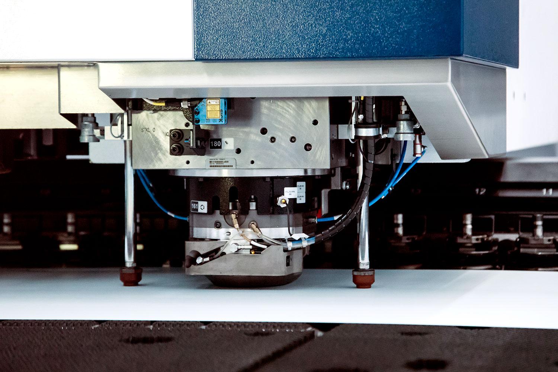 omas-taglio-laser-2d-combinato-con-punzonatura